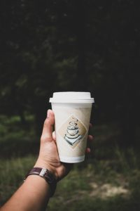 disposable-coffee-hot-cups-in-hand