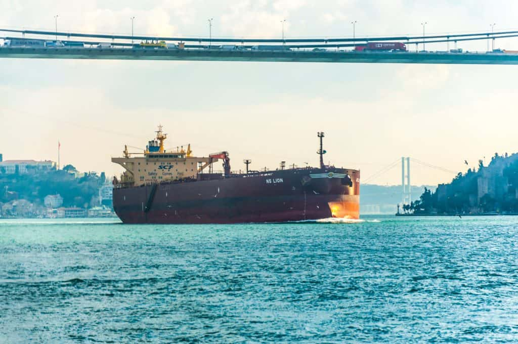 freighter transport pollution